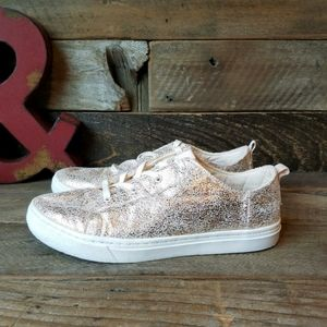 Tom's crackle pink champagne sneakers
